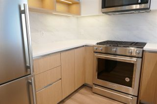 """Photo 11: 504 8940 UNIVERSITY Crescent in Burnaby: Simon Fraser Univer. Condo for sale in """"Terraces at the Peak"""" (Burnaby North)  : MLS®# R2535594"""
