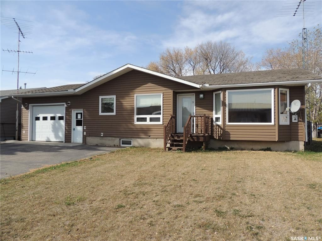 Main Photo: 20 Tripp Road in Oxbow: Residential for sale : MLS®# SK874012