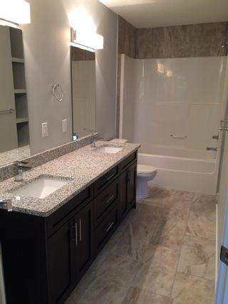 Photo 3: 10511 154 Street in Edmonton: Zone 21 House Half Duplex for sale : MLS®# E4266351