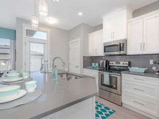 Photo 6: 98 SKYVIEW Circle NE in Calgary: Skyview Ranch Row/Townhouse for sale : MLS®# C4244304
