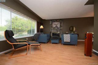 Photo 2: 7787 Wallace Dr in SAANICHTON: CS Saanichton House for sale (Central Saanich)  : MLS®# 795175