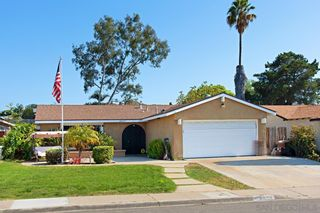 Photo 2: MIRA MESA House for sale : 4 bedrooms : 8055 Flanders Dr in San Diego