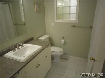 Photo 12: Photos: 569 Langholme Dr in VICTORIA: Co Wishart North House for sale (Colwood)  : MLS®# 528948