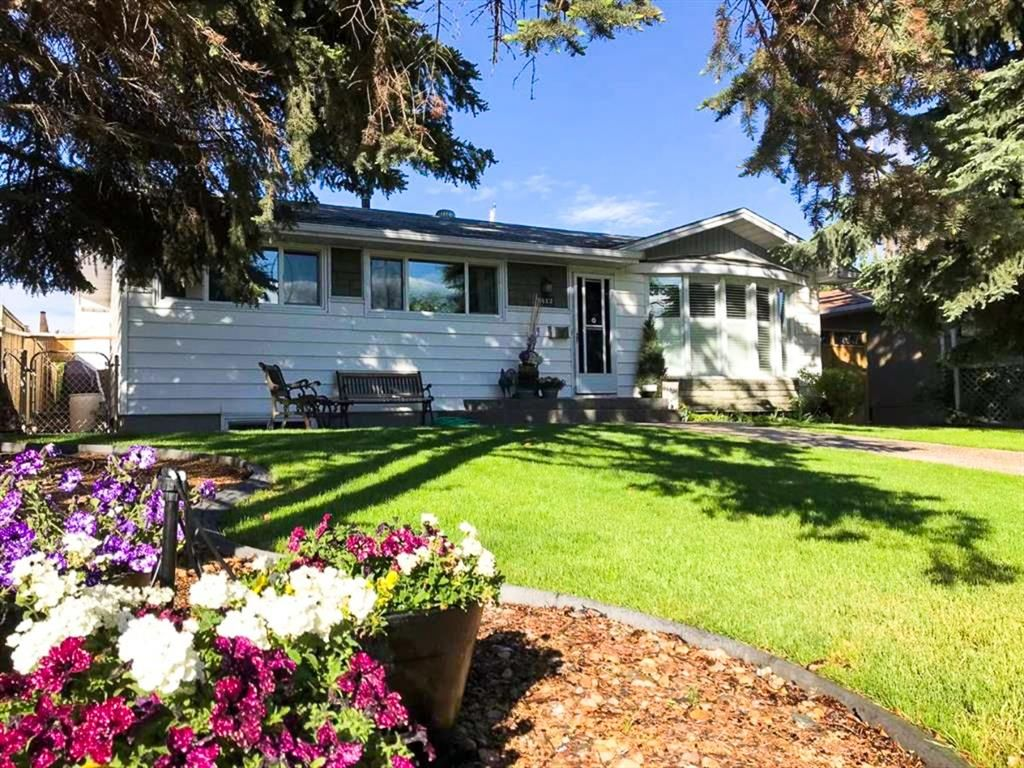 Main Photo: 2412 Langriville Drive SW in Calgary: North Glenmore Park Detached for sale : MLS®# A1113209