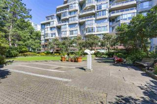 "Photo 16: 405 518 MOBERLY Road in Vancouver: False Creek Condo for sale in ""NEWPORT QUAY"" (Vancouver West)  : MLS®# R2305828"