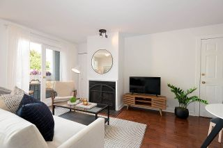 """Photo 2: 4 2017 W 15TH Avenue in Vancouver: Kitsilano Townhouse for sale in """"Upper Kits/ Lower Shaughnessy"""" (Vancouver West)  : MLS®# R2595501"""