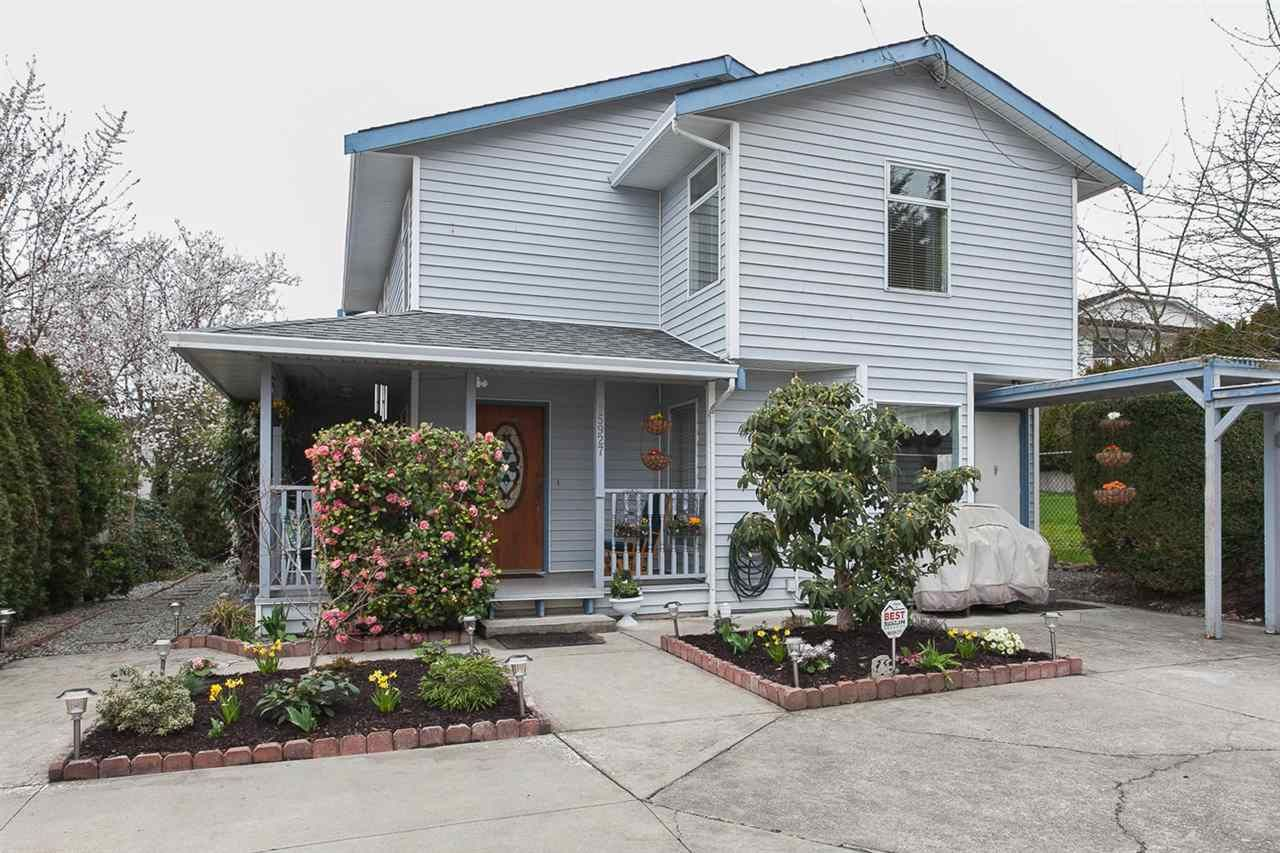 Main Photo: 15927 PACIFIC Place: White Rock House for sale (South Surrey White Rock)  : MLS®# R2042731