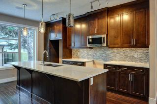Photo 5: 2443 22 Street NW in CALGARY: Banff Trail Residential Attached for sale (Calgary)  : MLS®# C3600165