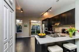 """Photo 5: 44 1338 HAMES Crescent in Coquitlam: Burke Mountain Townhouse for sale in """"FARRINGTON PARK"""" : MLS®# R2048770"""