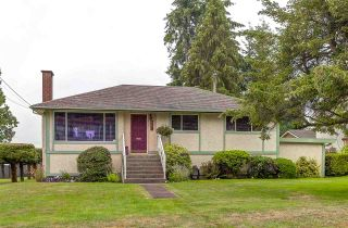 Photo 1: 660 FLORENCE Street in Coquitlam: Coquitlam West House for sale : MLS®# R2096799