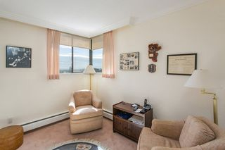 """Photo 12: 801 555 13TH Street in West Vancouver: Ambleside Condo for sale in """"PARKVIEW TOWERS"""" : MLS®# R2105654"""