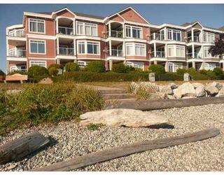 "Photo 1: 207 5470 INLET Avenue in Sechelt: Sechelt District Condo for sale in ""THE BEACH HOUSE"" (Sunshine Coast)  : MLS®# V671061"