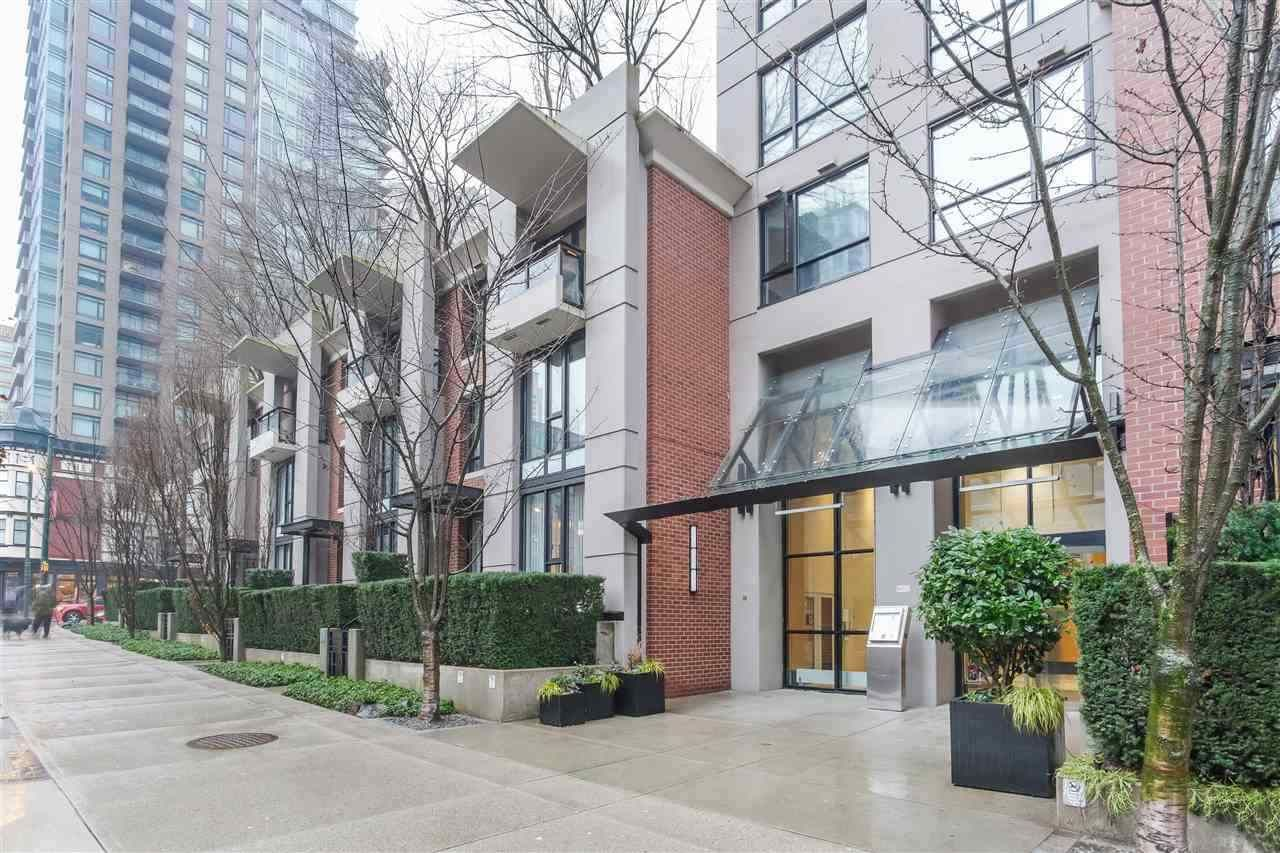 "Main Photo: 609 928 HOMER Street in Vancouver: Yaletown Condo for sale in ""YALETOWN PARK!"" (Vancouver West)  : MLS®# R2449306"