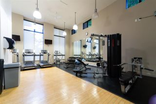 """Photo 15: 2802 909 MAINLAND Street in Vancouver: Yaletown Condo for sale in """"Yaletown Park II"""" (Vancouver West)  : MLS®# R2505728"""
