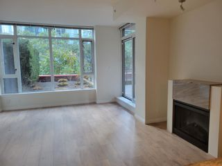 """Main Photo: 407 1211 MELVILLE Street in Vancouver: Coal Harbour Condo for sale in """"THE RITZ"""" (Vancouver West)  : MLS®# R2621177"""
