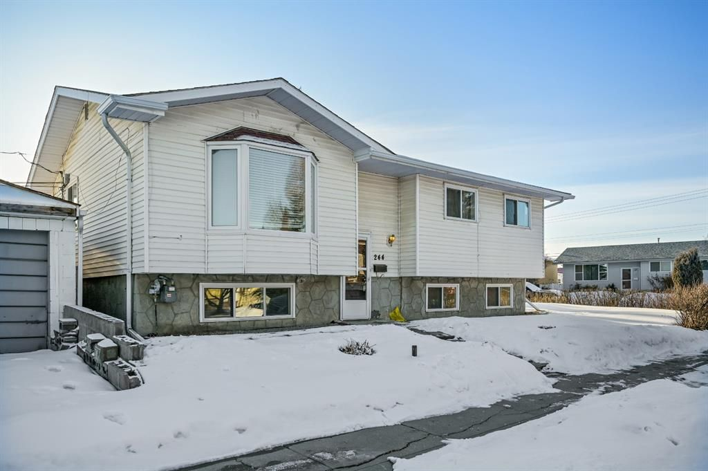 Main Photo: 244 Penbrooke Close SE in Calgary: Penbrooke Meadows Detached for sale : MLS®# A1074367