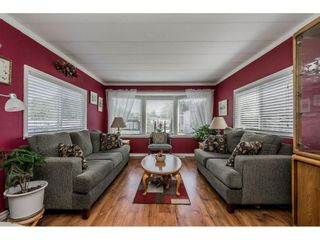 """Photo 2: 141 1840 160 Street in Surrey: King George Corridor Manufactured Home for sale in """"BREAKAWAY BAYS"""" (South Surrey White Rock)  : MLS®# R2367996"""