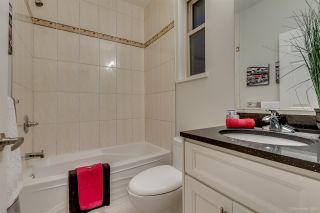 Photo 12: 1382 E 17TH Avenue in Vancouver: Knight 1/2 Duplex for sale (Vancouver East)  : MLS®# R2115245