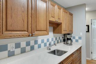 Photo 9: 104 1040 Rockland Ave in Victoria: Vi Downtown Condo for sale : MLS®# 887045