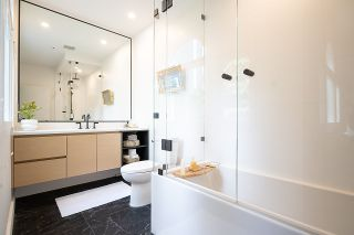 """Photo 24: 1944 W 15TH Avenue in Vancouver: Kitsilano Townhouse for sale in """"Lower Shaughnessy"""" (Vancouver West)  : MLS®# R2551125"""