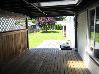 """Photo 3: 22 9960 WILSON Road in Mission: Mission-West Manufactured Home for sale in """"RUSKIN PLACE"""" : MLS®# F1415955"""