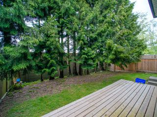 Photo 10: 5445 MANOR Street in Burnaby: Central BN 1/2 Duplex for sale (Burnaby North)  : MLS®# R2083747