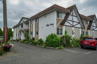 """Photo 1: 101 9516 ROTARY Street in Chilliwack: Chilliwack N Yale-Well Condo for sale in """"Royal Tudor"""" : MLS®# R2613300"""