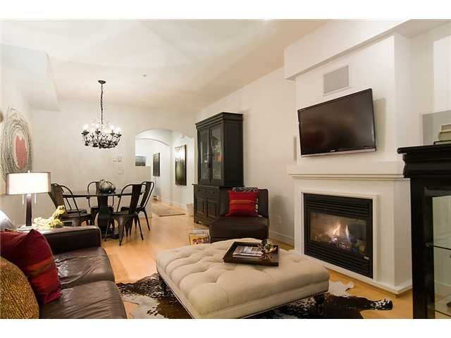 """Photo 3: Photos: 2618 QUEBEC Street in Vancouver: Mount Pleasant VE Townhouse for sale in """"MAISON"""" (Vancouver East)  : MLS®# V978938"""