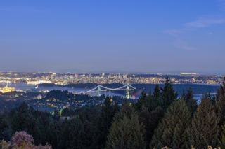 Photo 2: 1436 SANDHURST Place in West Vancouver: Chartwell House for sale : MLS®# R2610774