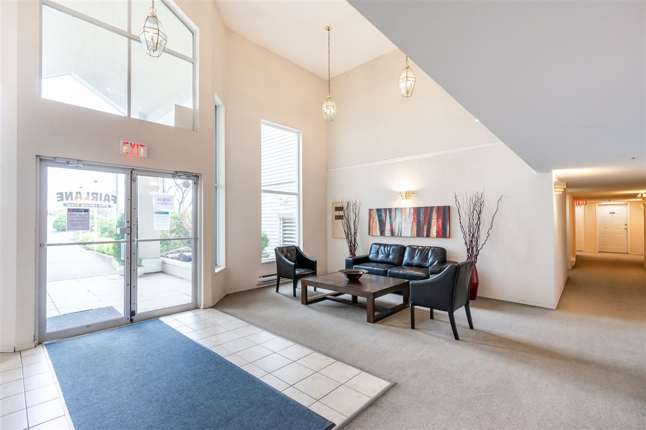 """Photo 2: Photos: 114 2750 FAIRLANE Street in Abbotsford: Central Abbotsford Condo for sale in """"The Fairlane"""" : MLS®# R2543289"""