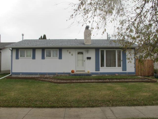 Main Photo:  in WINNIPEG: North Kildonan Residential for sale (North East Winnipeg)  : MLS®# 1221666