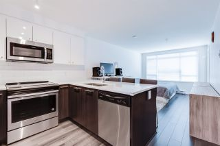 """Photo 1: 304 2525 CLARKE Street in Port Moody: Port Moody Centre Condo for sale in """"THE STRAND"""" : MLS®# R2459595"""