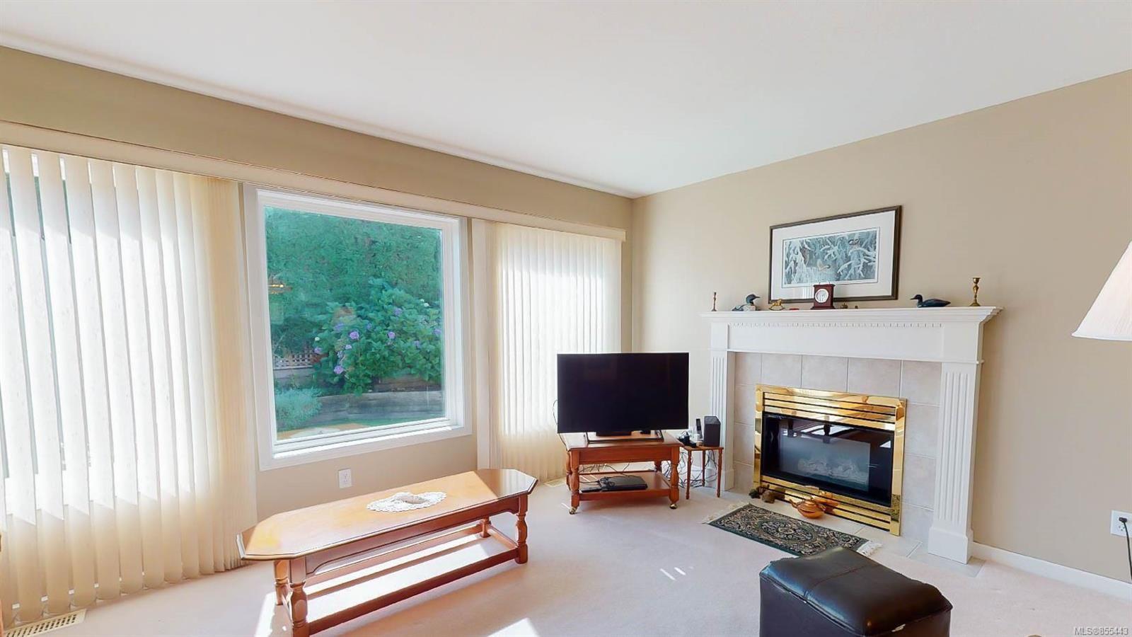 Photo 4: Photos: 1294 Leeward Way in : PQ Qualicum Beach House for sale (Parksville/Qualicum)  : MLS®# 855443