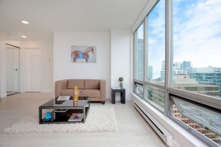 """Photo 4: 2505 1200 W GEORGIA Street in Vancouver: West End VW Condo for sale in """"Residence on Georgia"""" (Vancouver West)  : MLS®# R2613256"""