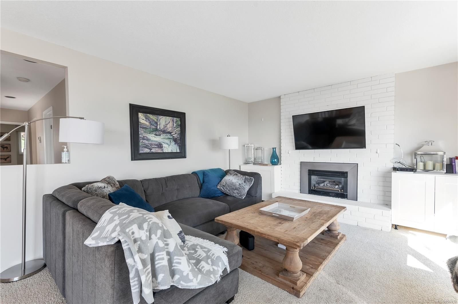 Photo 9: Photos: 215 S Alder St in : CR Campbell River Central House for sale (Campbell River)  : MLS®# 856910