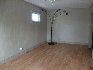 Photo 2: 733 INKSTER Boulevard in WINNIPEG: North End Residential for sale (North West Winnipeg)  : MLS®# 1223210