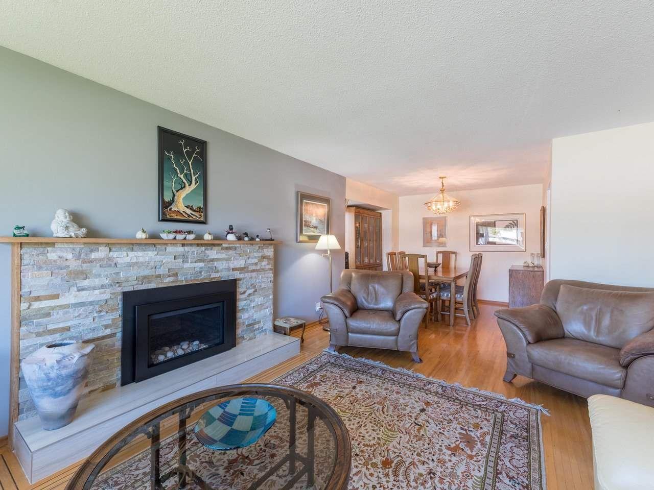 Photo 7: Photos: 808 REGAN Avenue in Coquitlam: Coquitlam West House for sale : MLS®# R2563486