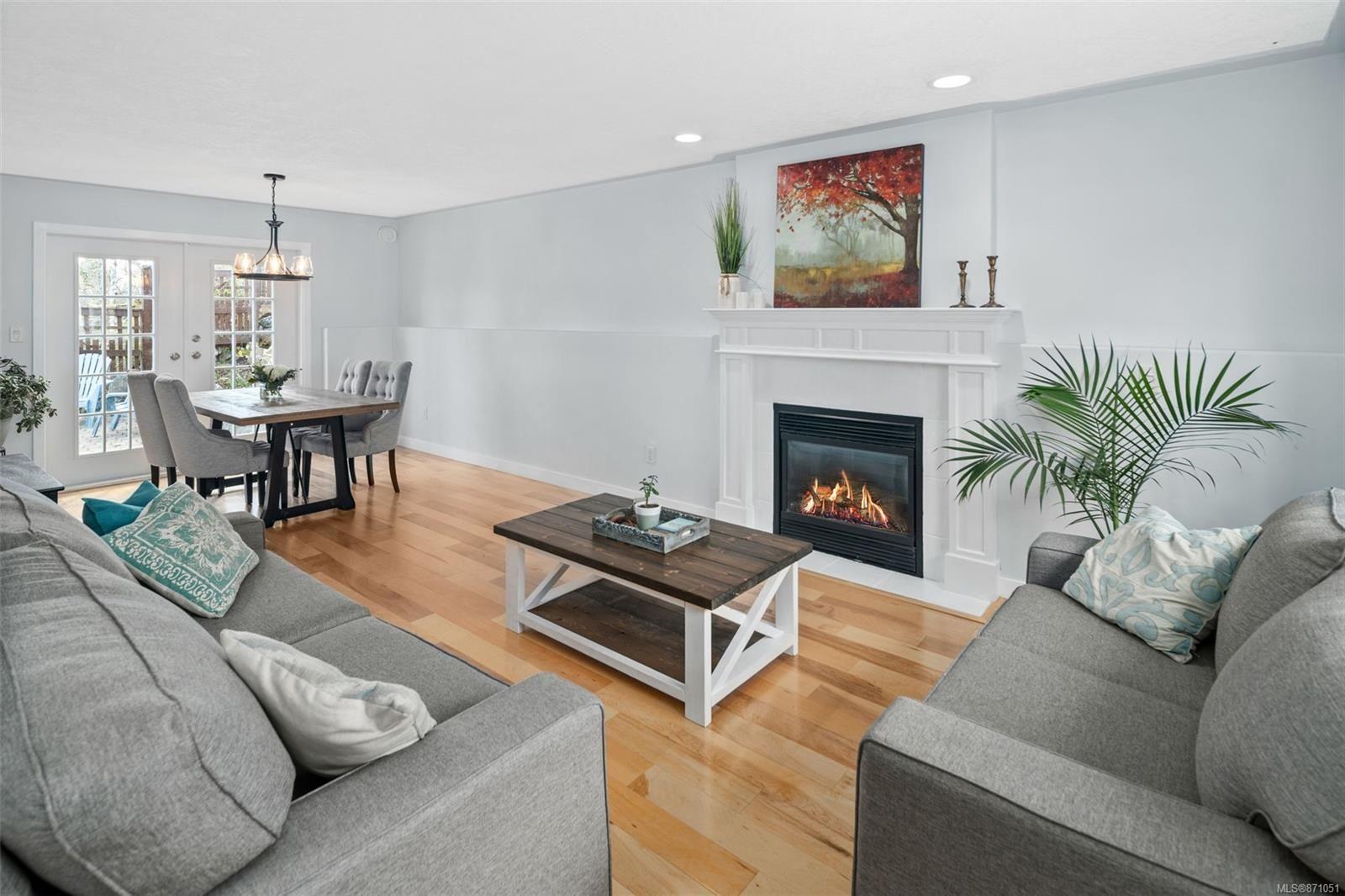 Photo 2: Photos: 521 Selwyn Oaks Pl in : La Mill Hill House for sale (Langford)  : MLS®# 871051