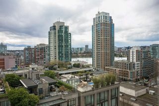 """Photo 7: 1008 1238 RICHARDS Street in Vancouver: Yaletown Condo for sale in """"METROPOLIS"""" (Vancouver West)  : MLS®# R2452504"""