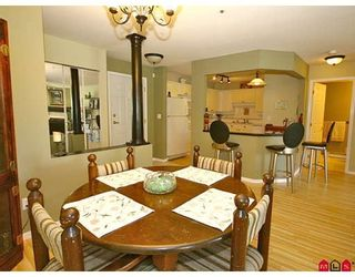 "Photo 2: 101 5556 201A Street in Langley: Langley City Condo for sale in ""MICHAUD GARDENS"" : MLS®# F2822455"