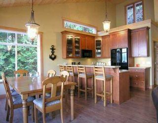 """Photo 3: 1508 TIDEVIEW Road in Gibsons: Gibsons & Area House for sale in """"LANGDALE"""" (Sunshine Coast)  : MLS®# V621776"""