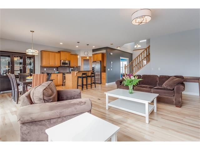 Photo 5: Photos: 46 PRESTWICK Parade SE in Calgary: McKenzie Towne House for sale : MLS®# C4103009