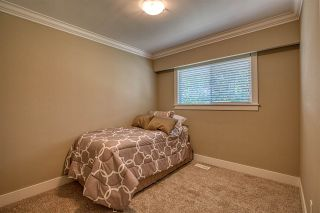 """Photo 12: 15125 CANARY Drive in Surrey: Bolivar Heights House for sale in """"birdland"""" (North Surrey)  : MLS®# R2390251"""