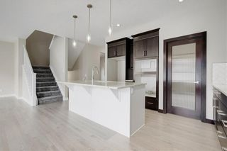 Photo 12: 223 EVANSGLEN Circle NW in Calgary: Evanston Detached for sale : MLS®# A1039757