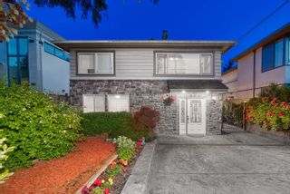 Main Photo: 1066 KINGS Avenue in West Vancouver: Sentinel Hill House for sale : MLS®# R2606235