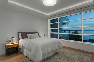 """Photo 3: 402 2289 BELLEVUE Avenue in West Vancouver: Dundarave Condo for sale in """"Bellevue by Cressey"""" : MLS®# R2620087"""
