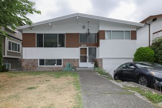 Photo 1: 3070 E 52ND Avenue in Vancouver: Killarney VE House for sale (Vancouver East)  : MLS®# R2611651