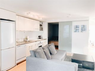"Photo 4: 703 168 POWELL Street in Vancouver: Downtown VE Condo for sale in ""SMART"" (Vancouver East)  : MLS®# R2534188"