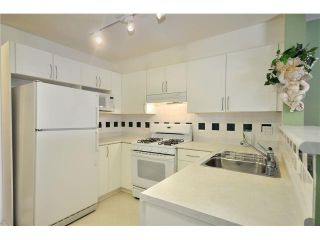 """Photo 4: 208 688 E 16TH Avenue in Vancouver: Fraser VE Condo for sale in """"VINTAGE EAST SIDE"""" (Vancouver East)  : MLS®# V850110"""