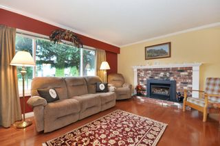 Photo 2: 3818 CHADSEY Crescent in Abbotsford: Central Abbotsford House for sale : MLS®# R2009421
